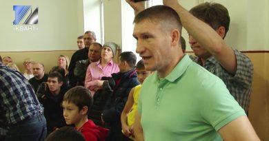 Городские соревнования по боксу собрали боксёров-новичков