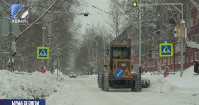 В городе идёт борьба со снегом