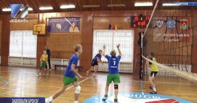 В Кемерове прошло первенство области по волейболу среди юношей