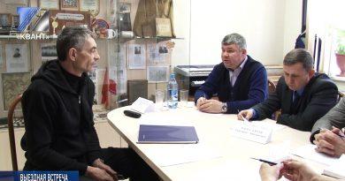 Представители администрации посетили п. Камешок