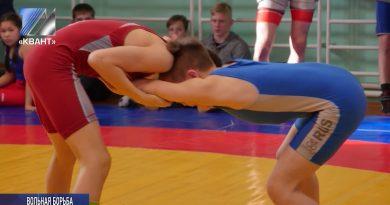 Завершилось первенство Кемеровской области по вольной борьбе