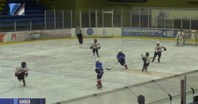 Завершился первый этап первенства Сибирского федерального округа по хоккею